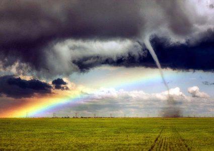 PNEVMATIKH_ZWH - thunder.jpg